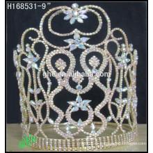El nuevo rhinestone al por mayor del oro AB del desfile de la manera corona tiaras