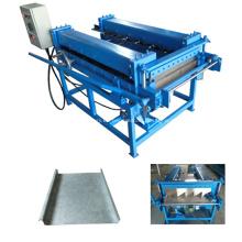Máquina portátil para techos de metal que forma la máquina
