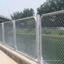 Customized galvanized 2000 square metres diamond wire fence mesh horse fencing south africa