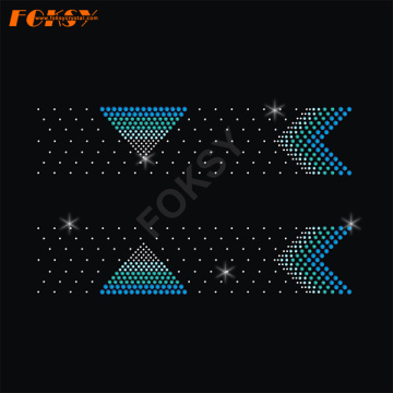 Motif en forme de triangle Cheers Motif en strass avec queue en V