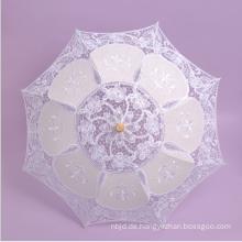 Weißer Satin und Spitze Hochzeits-Regenschirm mit hölzernem Gaunergriff-Sonnenschirmspitzenregenschirm