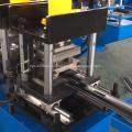 Puerta de persiana perforada que forma la máquina