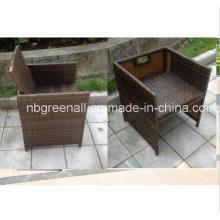 Chaise de jardin en rotin / en osier pour cube table
