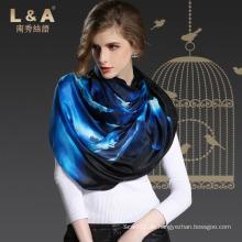 Das Mädchen Große Handtuch Wolke Blaue Seide Schals