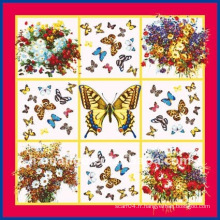 Dernière écharpe à imprimé papillon à la mode