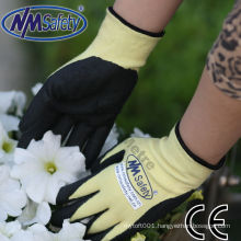 NMSAFETY yellow Aramid Fibers and Lycra knitted liner coated black high-technology foam nitrile on palm gloves