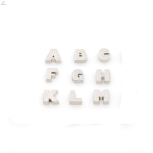 Лучшие продажи подвески алфавит,лазера изготовленный на заказ акриловый медальон прелести,письмо амулеты оптом