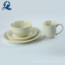 Personnalisation des ensembles de vaisselle en céramique colorée