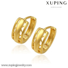 petits modèles de boucles d'oreilles en or, boucles d'oreilles huggie en or jaune