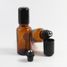 Rouleau de verre en gros sur la bouteille avec la boule de rouleau d'acier inoxydable