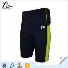 Shorts de compressão de nylon de desgaste de ginásio para homens