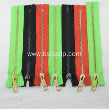 Good Quality for Brass Rectangle Type Teeth Zipper Brass No. 5 Custom Zipper for Bags supply to Russian Federation Exporter