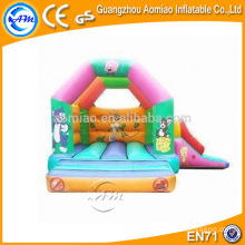 Desenho animado bouncer de salto inflável, casa simples de salto de minion trampolim
