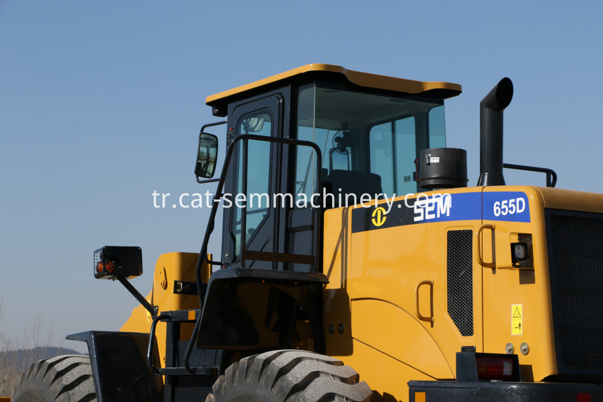 SEM 655D wheel loader