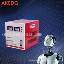 Heißer Verkauf SVC 1 KVA Einphasiger Hochpräziser automatischer Wechselstrom 220V / 110V Spannungsstabilisator