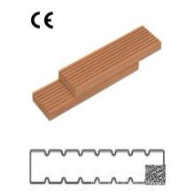 Rutschfeste Holz-Kunststoff-Verbunddecke