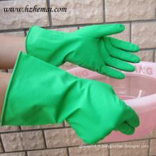 Gant vert en latex pour cuisine au jardin vert