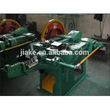 Stahlnagel, der Maschine in der Metall- u. Metallurgie-Maschinerie herstellt