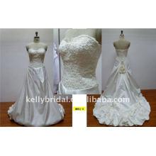 Magnífico y romentic de encaje y flores hechas a mano vestido de boda de diseño