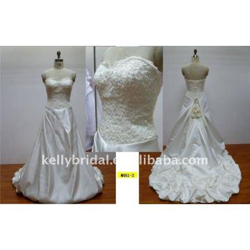Lindos e romentic laço e flores artesanais vestido de casamento designer