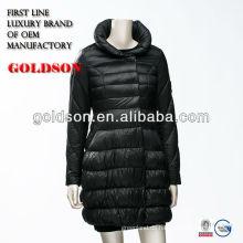 Neueste Frauen-Winter-langer unten Mantel mit Soem, der für Japan produziert
