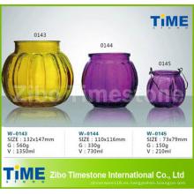 Hermoso frasco de vidrio de color rociado
