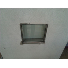 Dobradiça da porta com janela de vidro