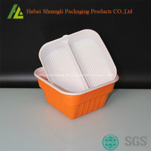 Kunststoff-Einweg-Lebensmittelbehälter herausnehmen
