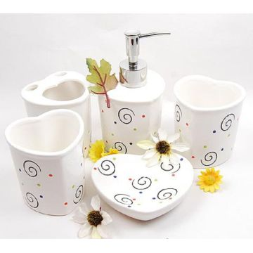5 PC Of Ceramic Bath Set Heart Shaped