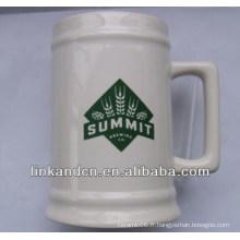 Haonai a exporté une tasse de bière en céramique blanche de 23 oz avec logo