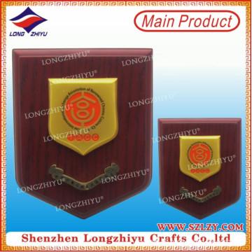 Placa conmemorativa del escudo de madera de la placa de oro para la venta