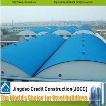 Entrepôt en acier de structure avec tôle d'acier de couleur