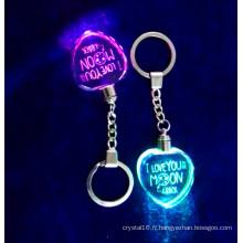 Keychain en cristal de forme de coeur, keychain en verre léger de LED pour des cadeaux