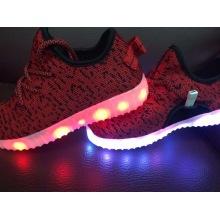 Neue Art und Weise USB-Gebühr LED-Schuhe für Männer und Frauen