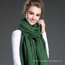 Mujeres en invierno para mantener cálida bufanda verde liso de poliéster