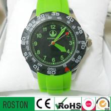 Relojes deportivos de moda con banda de silicona