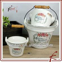 Maceta de cerámica colgante de flores