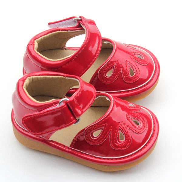 Wholesale Girl Flat Fashion Sandals Toddler Squeaky Shoes