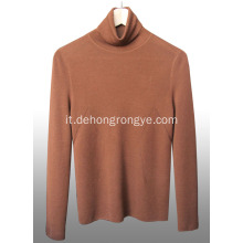 Pullover in cashmere pettinato collo alto