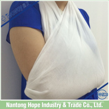 Medical triangular bandage used for trauma bandage