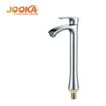 Grifo de baño de cromo de palanca única de moda grifo de agua alta del lavabo
