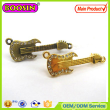 OEM/ODM Metall Custom Charm Pins Gold Anstecknadeln