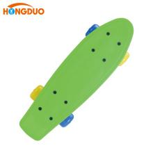Colorido barato bom personalizado skateboard plástico quatro rodas para venda