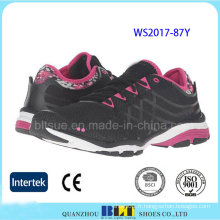 Femmes populaires Design respirant maille chaussures de sport
