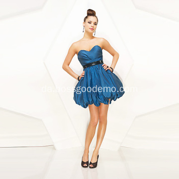 Dejlig Ball Gown Sweetheart Stropløs Mini Taffeta Ruffled Sequin Bælte Cocktial Dress