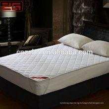 El precio barato vendedor caliente 200GSM que llena el protector del colchón del hotel del algodón de los PP