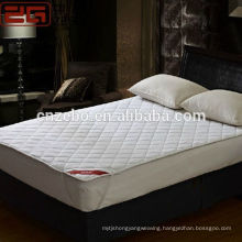 Hot Selling Cheap Price Waterproof 200GSM Filling PP Cotton Hotel Mattress Protector