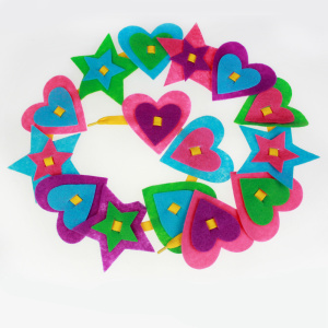 Heart shape felt assortment chain