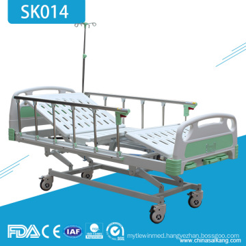 SK014 3 Crank Manual Hospital Medical Bed For Paralyzed Patients