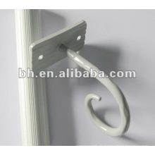 Gemalt weißer chinesischer Vorhang, der kleinen Duschvorhanghaken passt